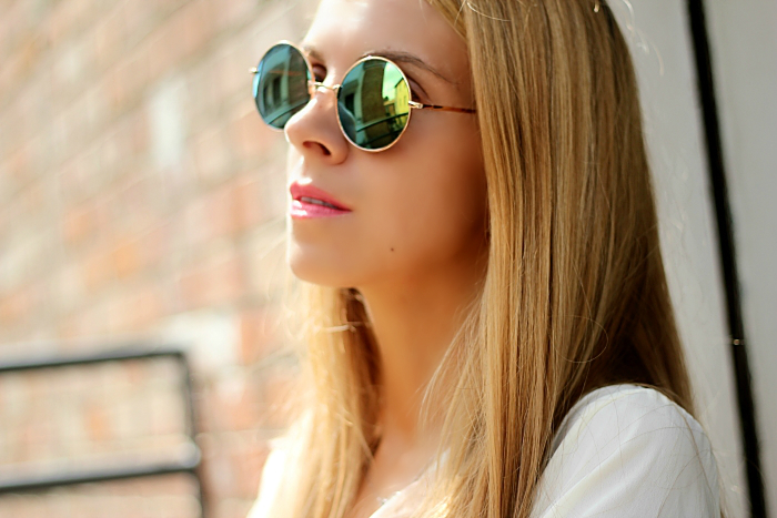 round mirror sunglasses, green glasses