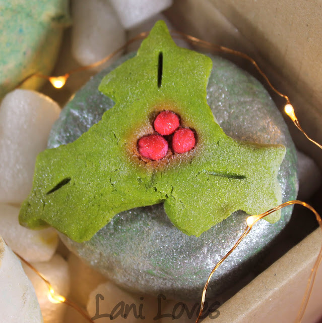 LUSH Holly Go Lightly Bubble Bar Review