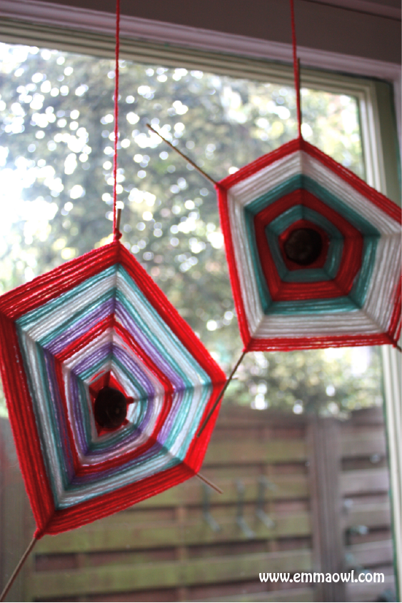 http://www.emmaowl.com/blog/chestnut-spider-web-weaving/