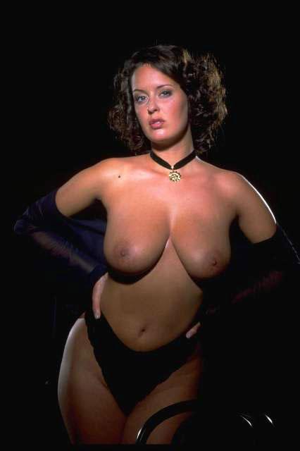 порно актрисса моника фото