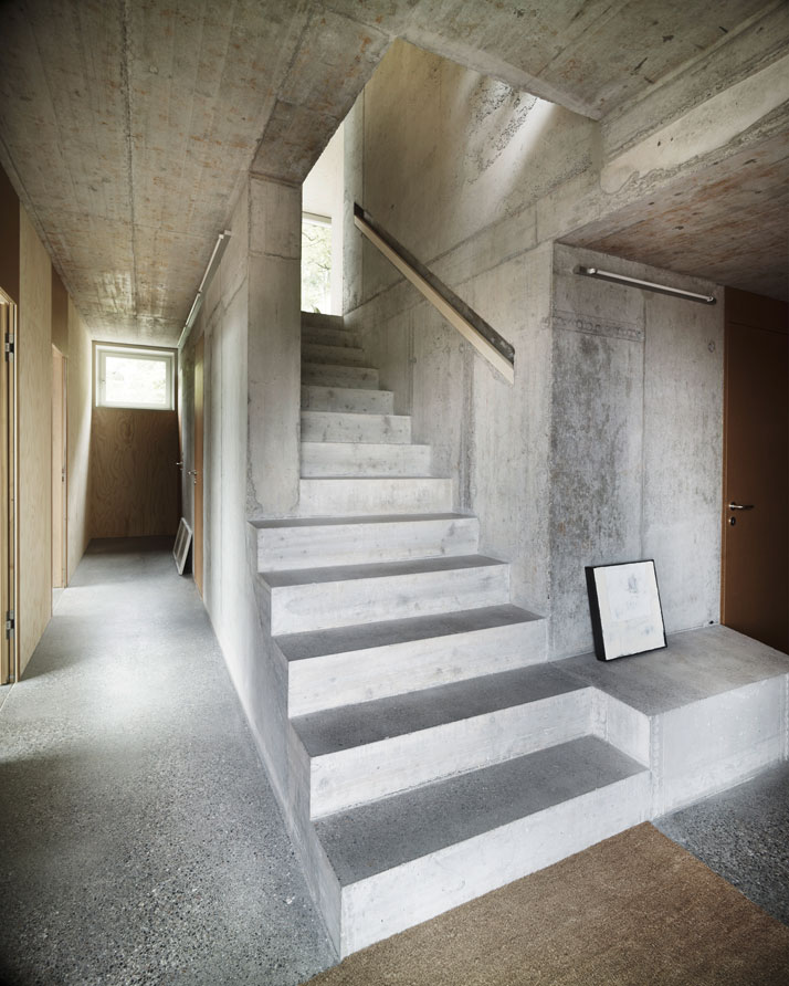 Scandinavian retreat single family house in zurich for Architecture zurich