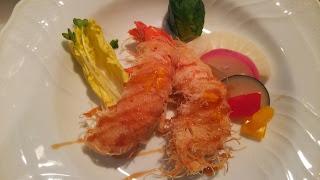 白金台に出張料理:カダイフを纏った海老のフリット 柚子風味のジュレソース