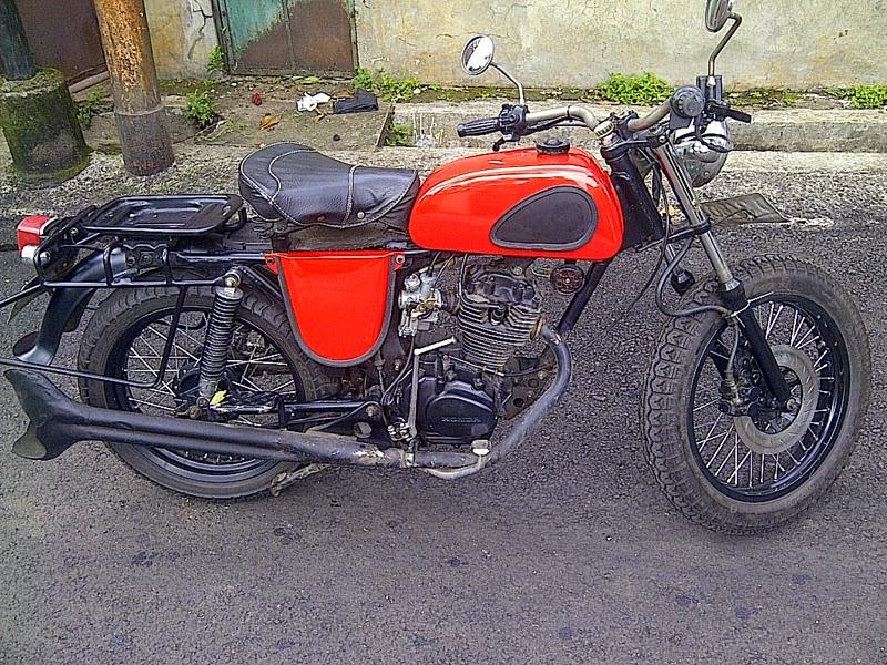 Modifikasi Motor Honda GL 100 Gaya Klasik