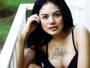 5 5 Artis Indonesia Yang Berani Tampil Seksi Dan Cantik