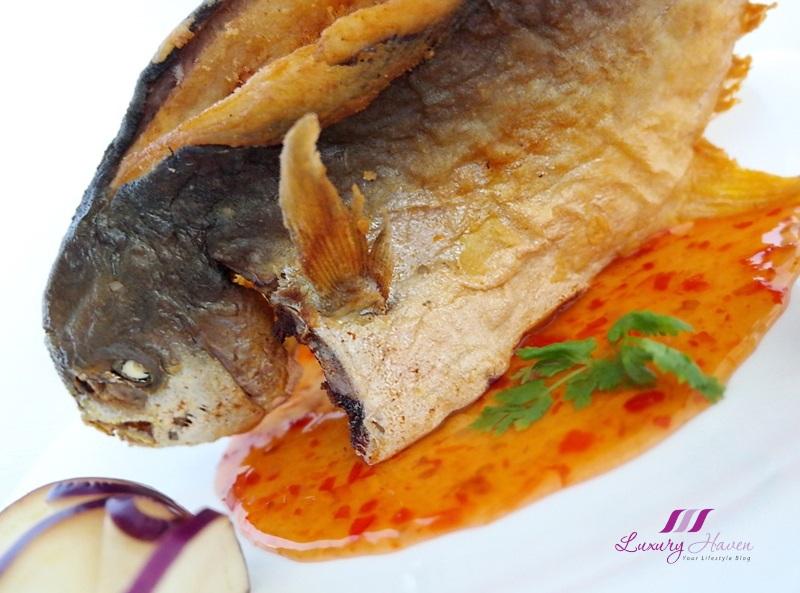 purelyfresh fresh seafood thai style crispy golden pomfret