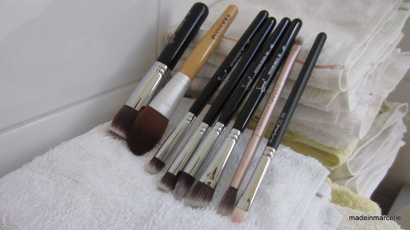 how to clean makeup brushes with rubbing alcohol