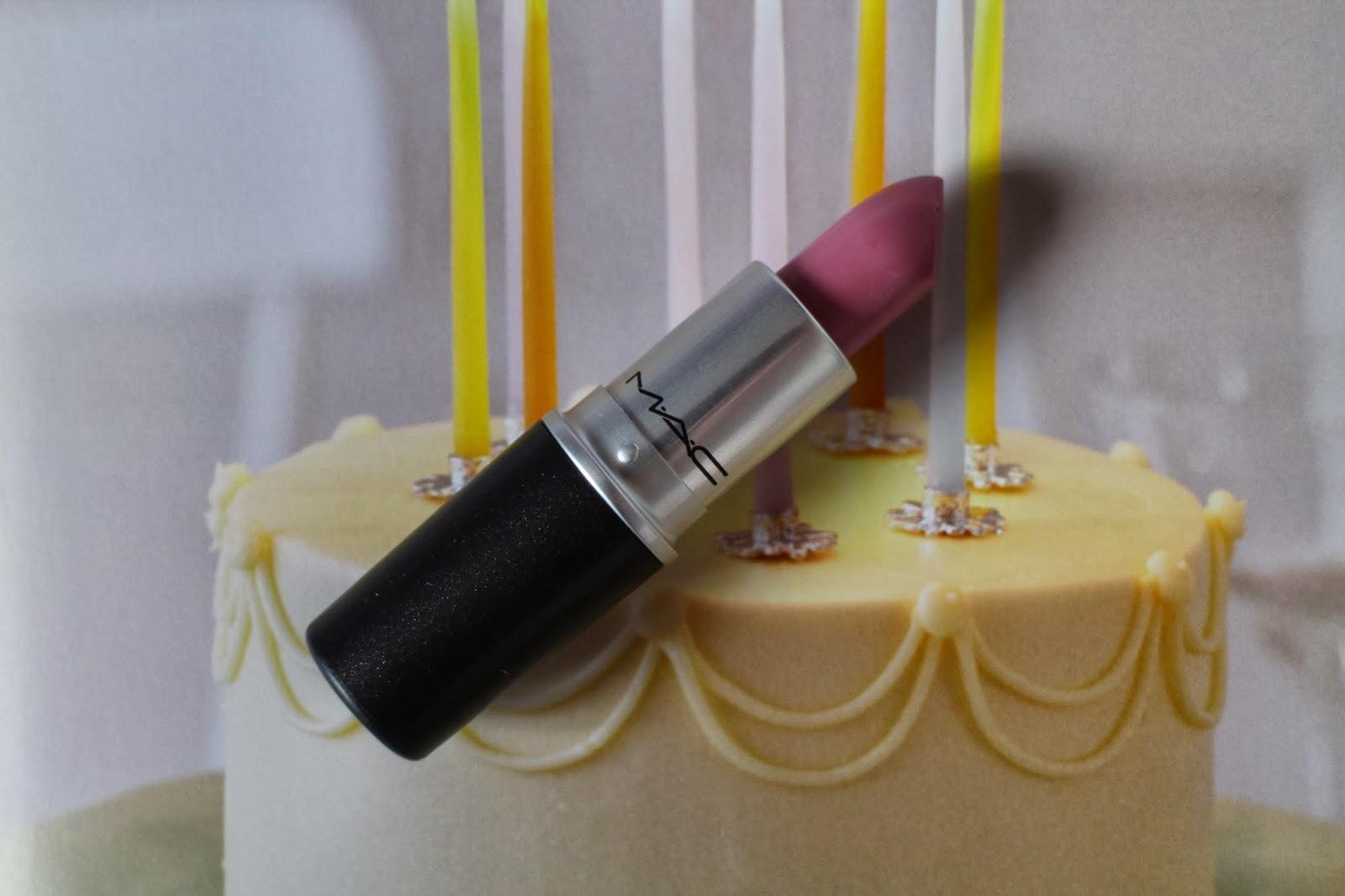 MAC Snob Lipstick Review