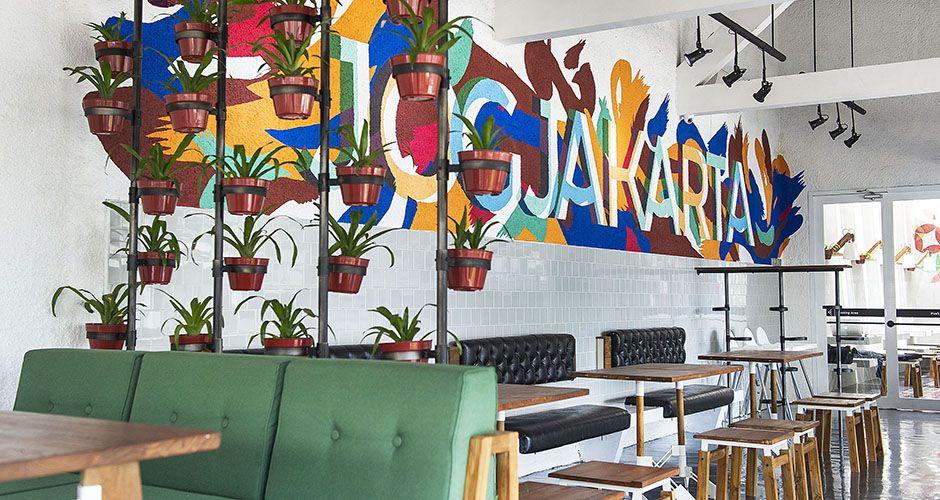 Selain Hotel LOKAL Juga Punya Restoran Yang Ngga Kalah Kece Dan Salah Satu Spot Nya Sekarang Jadi Background Foto Langganan Para Instagram Addict