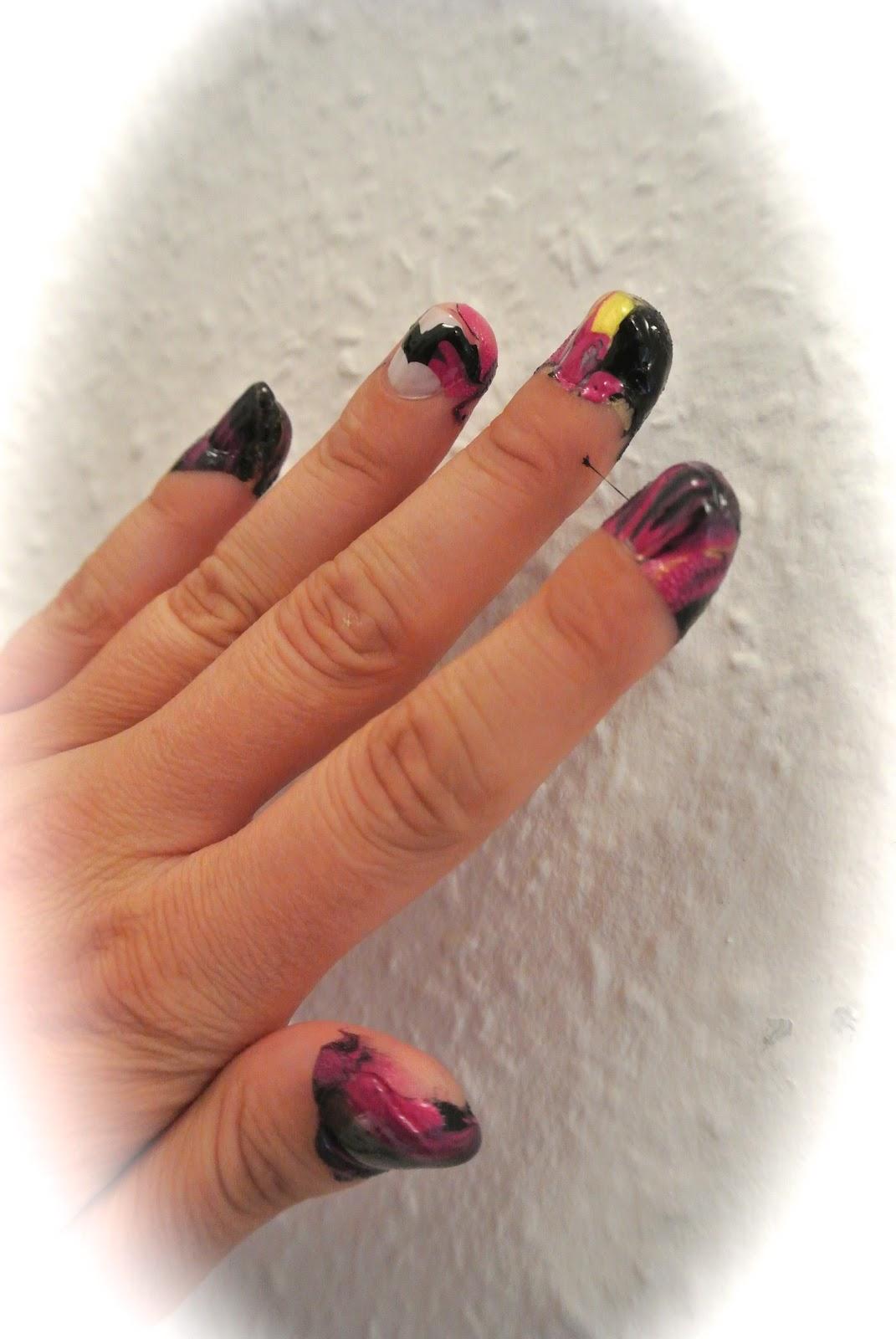 Water Marble Nails Effekt - der ausgefallene Nageltrend jetzt do it ...