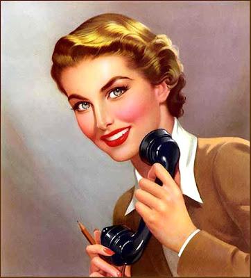 chica retro hablando por teléfono