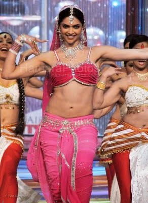 deepika padukone belly dancing
