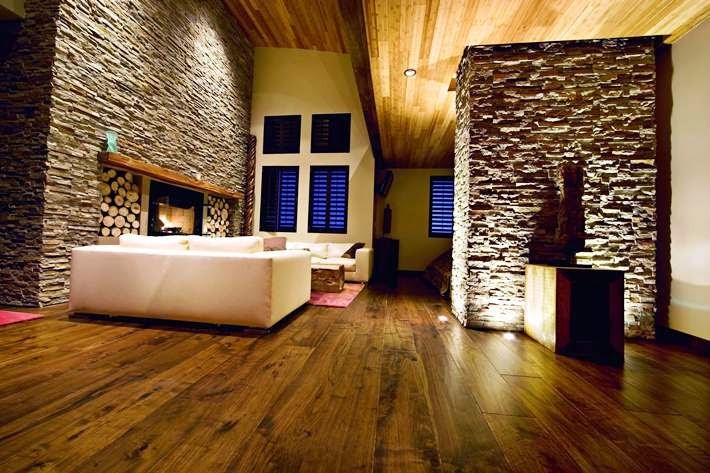 wall paint ideas for living room with wood parquet flooring