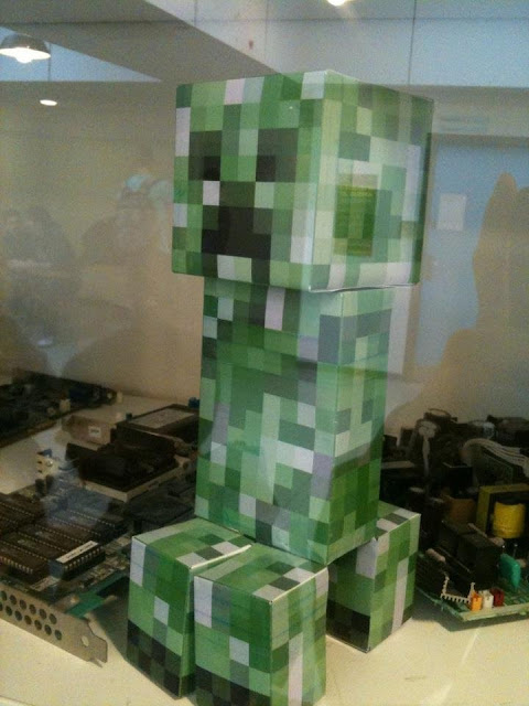 The Minecraft Castle: Real Life Creeper