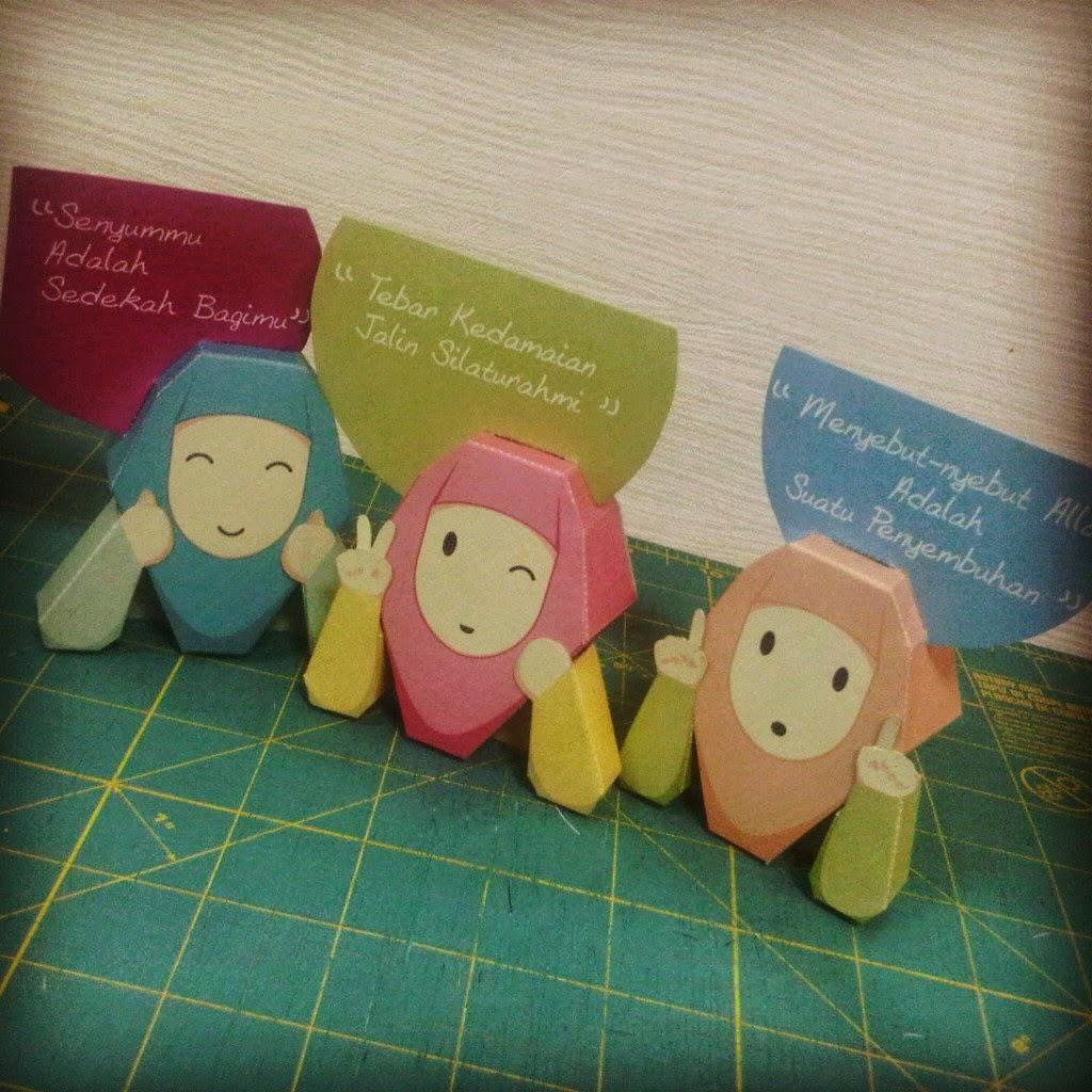 Akhwat Paper Toys