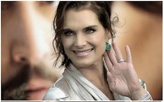 """A modelo e atriz da série """"Suddently Susan"""" é formada em línguas latinas. Segundo o site Business Insider, ela se graduou em 1987 pela tradicional Princeton University."""