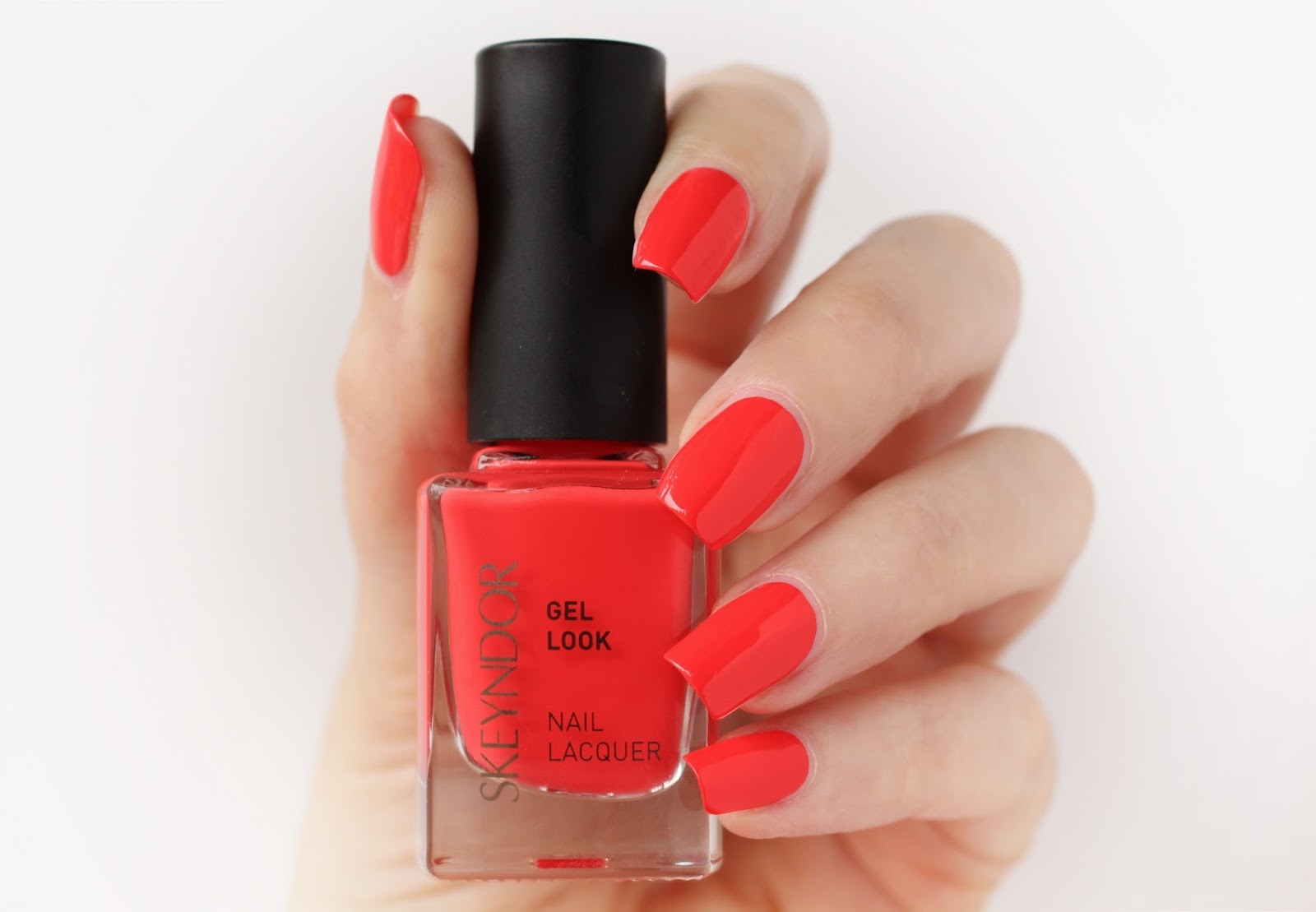 510 Warm Sand, 511 Iced Pink & 512 Coral Red colección Glorious Glow ...