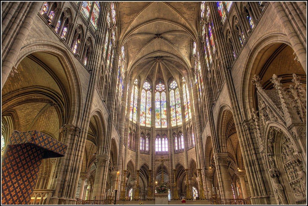 Ciberest tica los 12 edificios 5 la catedral de saint for Portal del interior