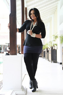 Sri Lankan Actress and TV Presenter Gayathri Dias   Spicy Hot Black dress Pictures