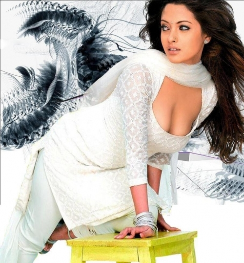 Riya Sen Actress Hot Pics