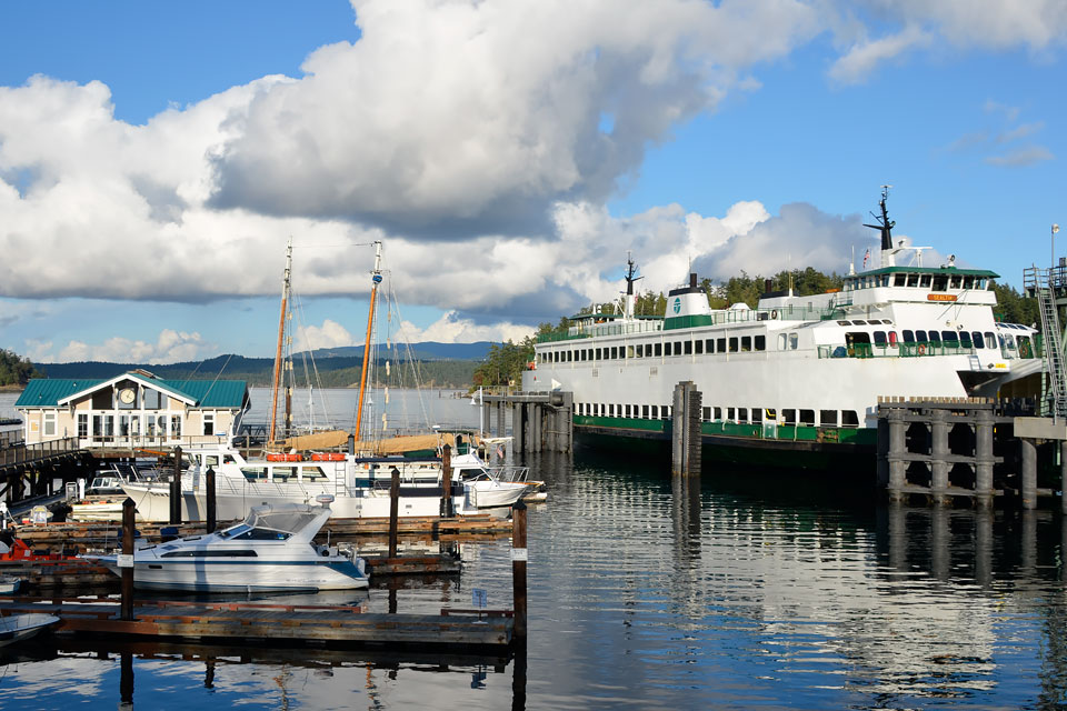 Ferry and passenger boat landings in Friday Harbor