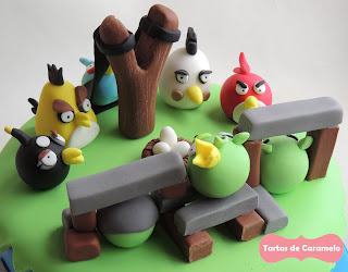 Tarta de los Angry Birds: todos los pollitos