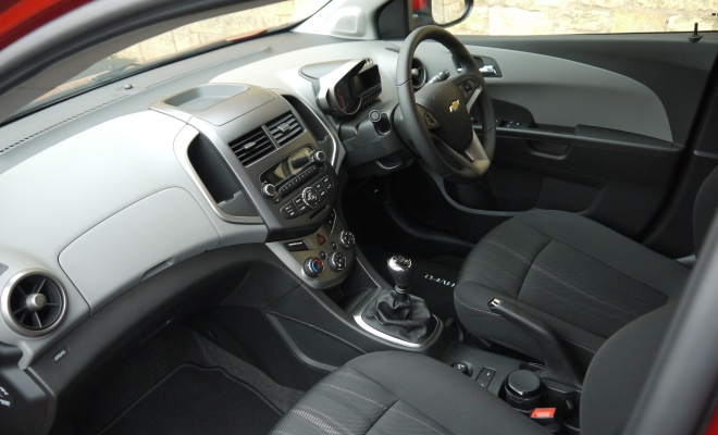 Chevrolet Aveo Eco interior