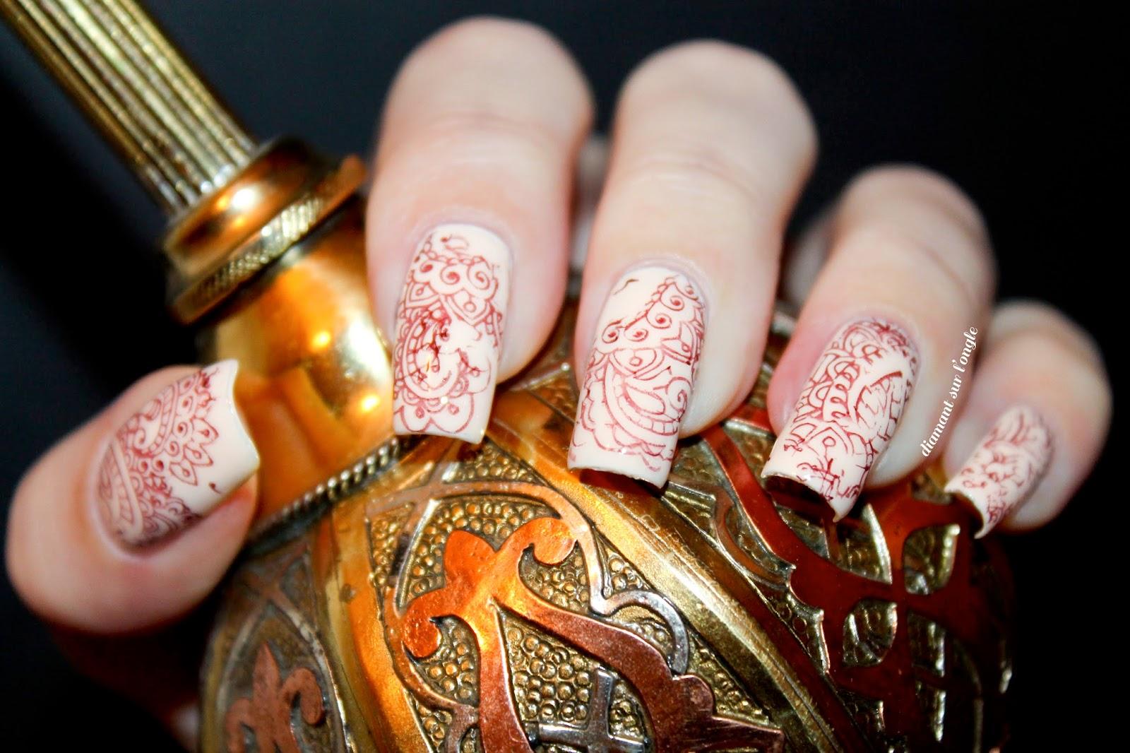 Mehendi // henna nail art