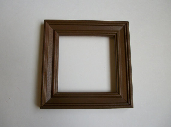 Queenie\'s Vintage Finds: Small Vintage Picture Frames Galore...