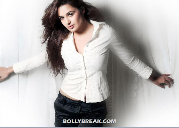 Yuvika Chaudhary HOT HD Wallpapers 2012