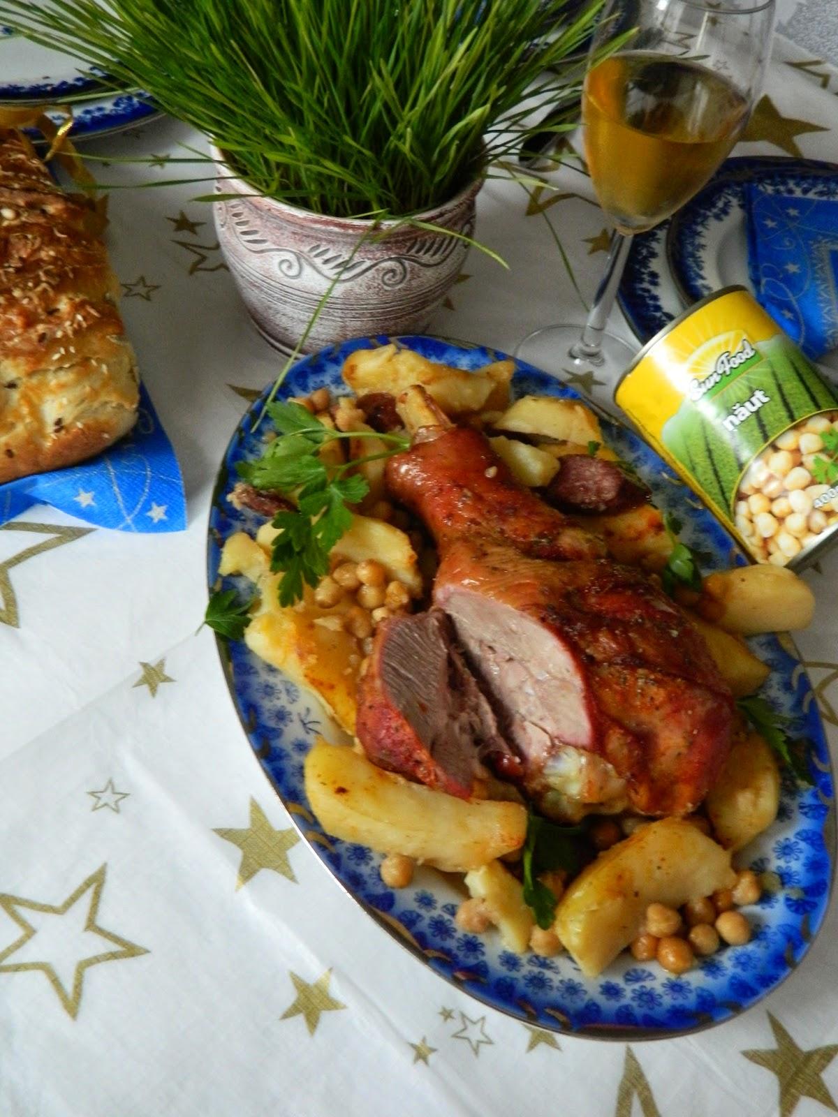 Pulpa de curcan cu naut, cartofi si chorizo