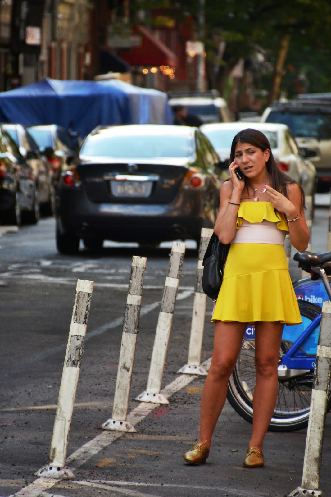 nyc street style ugly yellow dress gold shoes