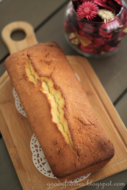Lemon Cake Nigella