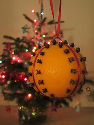 homemade orange pomander clove chirstmas decoration