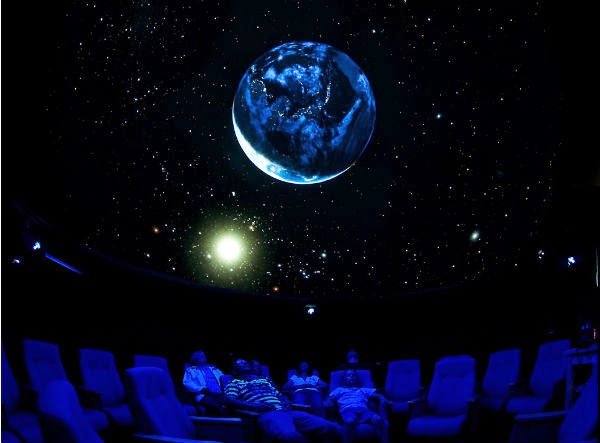 wisata keluarga di Planeturium