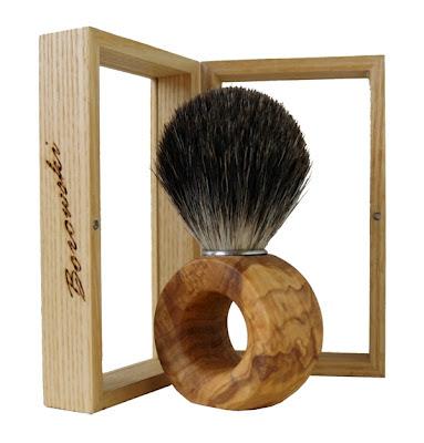 Pędzel do golenia z drewna oliwki