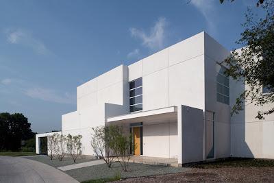 Дом белого цвета, США