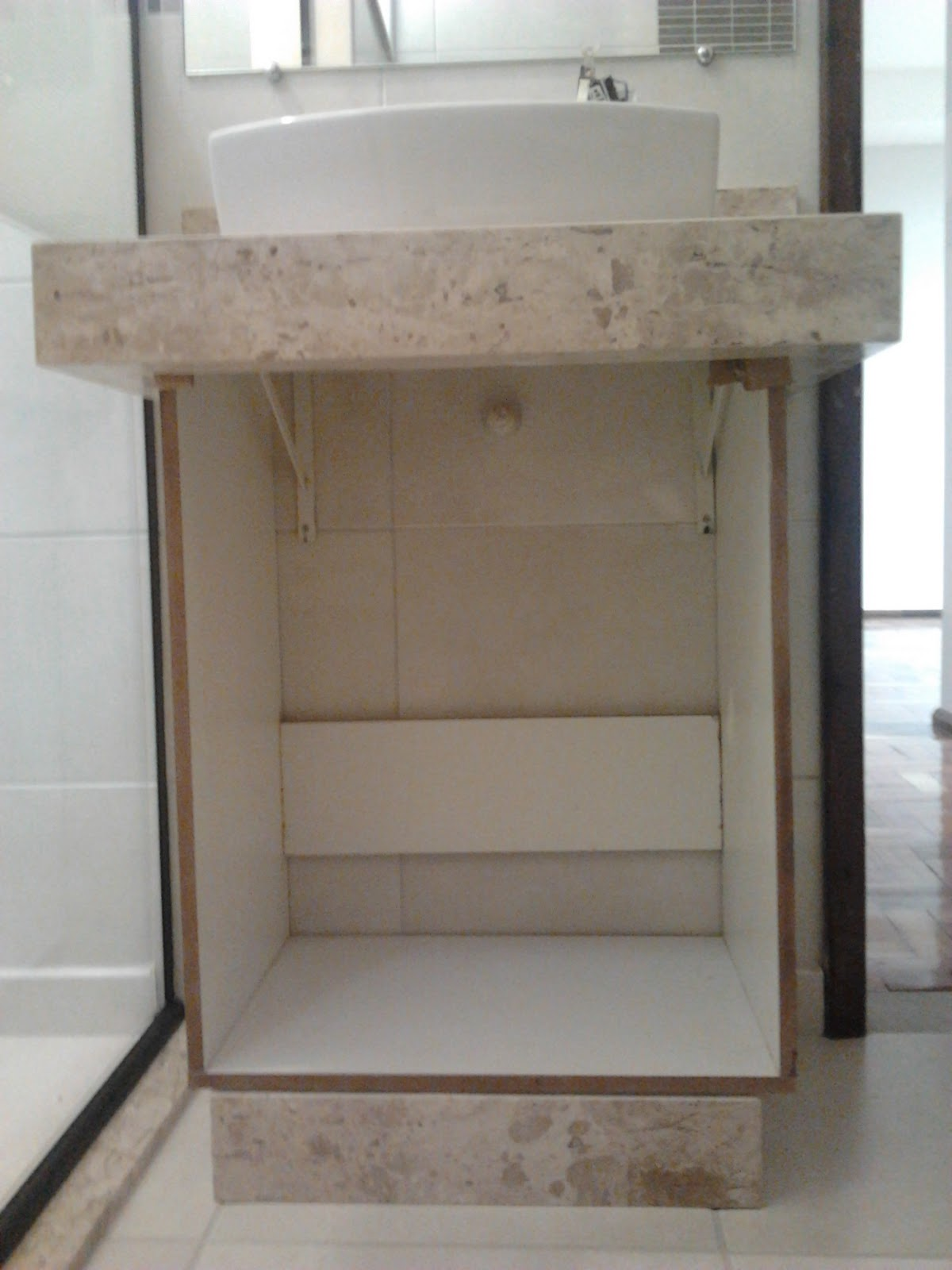 Finalmente a grande novidade do dia começaram a entregar os  #604D3D 1200x1600 Armario Banheiro Coluna Pia