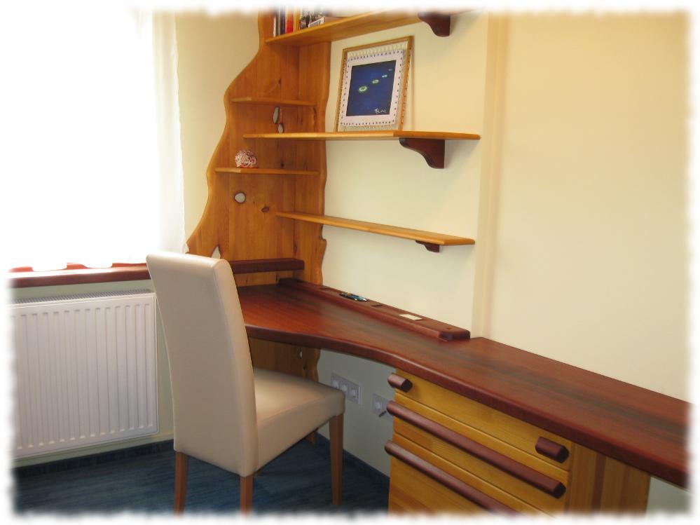 Balatoni dolgozószoba - íróasztal