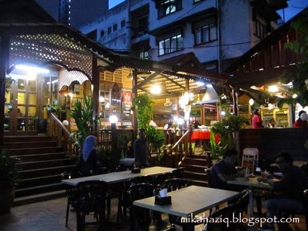 konsep Restoran Lala Seafood, Kg Baru yang lawa, hiasan bagus makan sedap http://apahell.blogspot.com/
