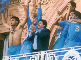 Ganguly takes off his shirt