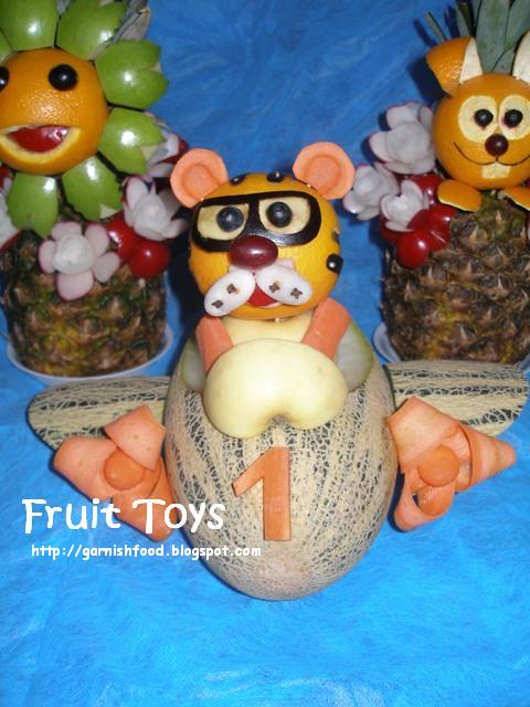 Easy fruit sculptures