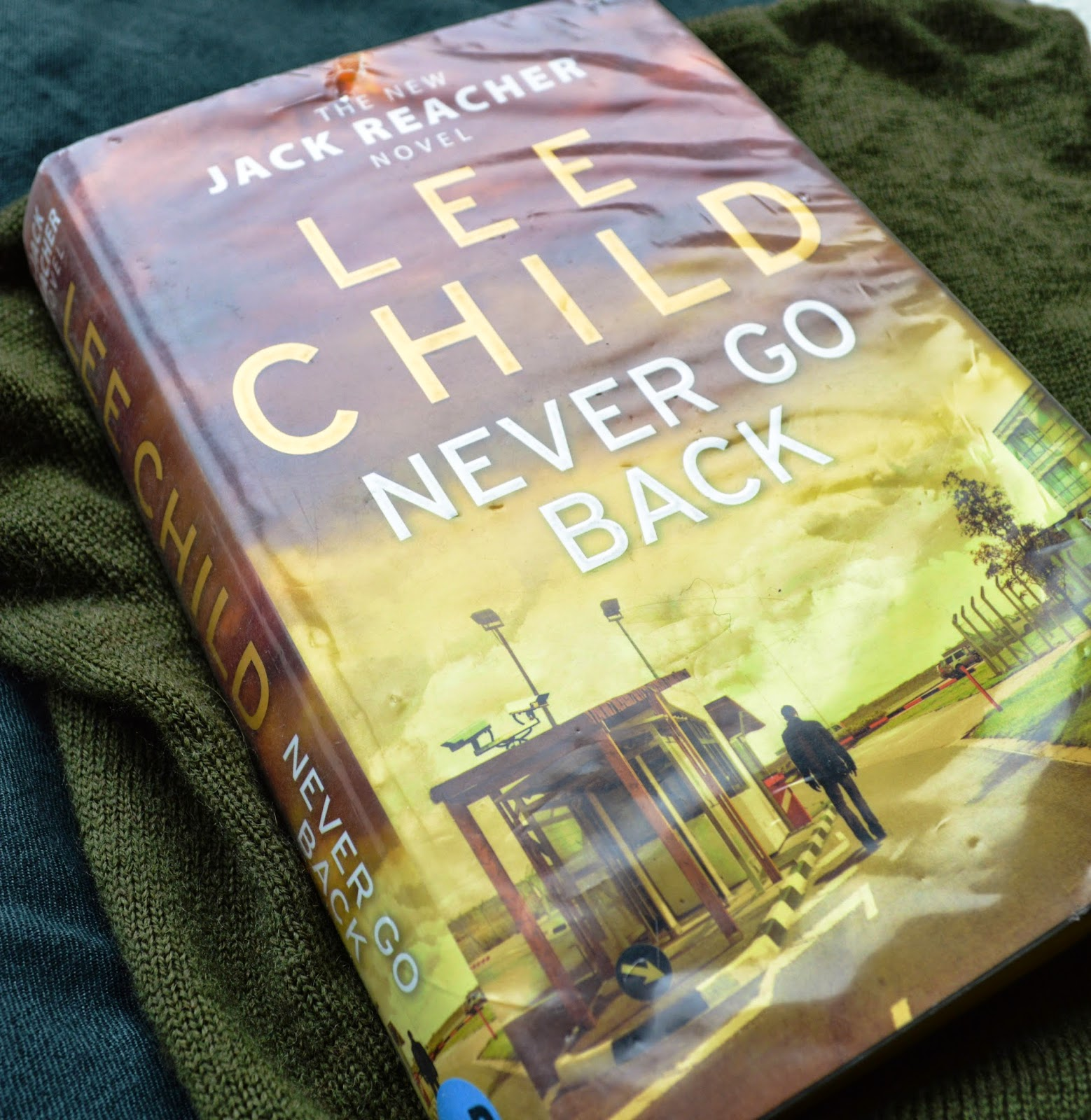 Lee Child, Never Go Back, hardback, book review, American Literature, ex-military police, 18th, Jack Reacher, series, book blog,