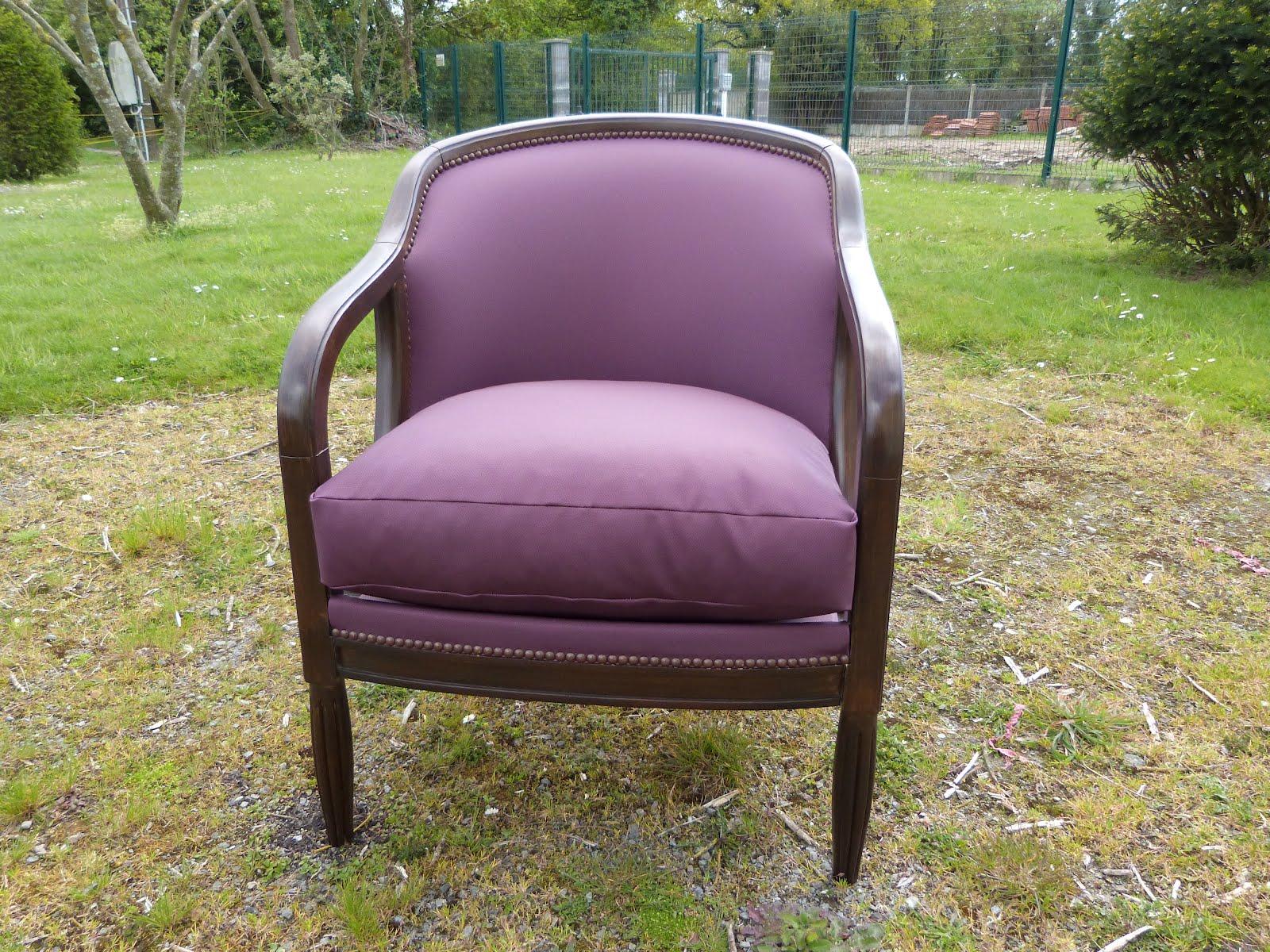 49 fauteuil tonneau en simili cuir les jolis si ges. Black Bedroom Furniture Sets. Home Design Ideas
