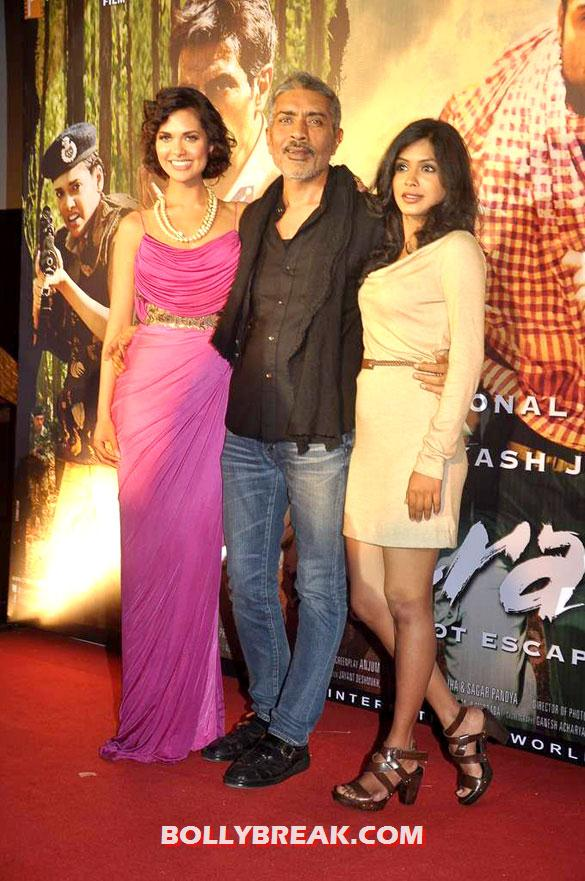 Esha Gupta, Prakash Jha, Anjali Patil - Esha Gupta, Anjali Patil at First look launch of &#39;Chakravyuh&#39;