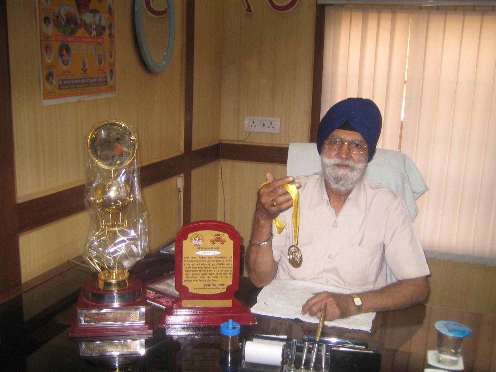 Paramjit Singh Sarna Family sd Paramjit Singh Sarna