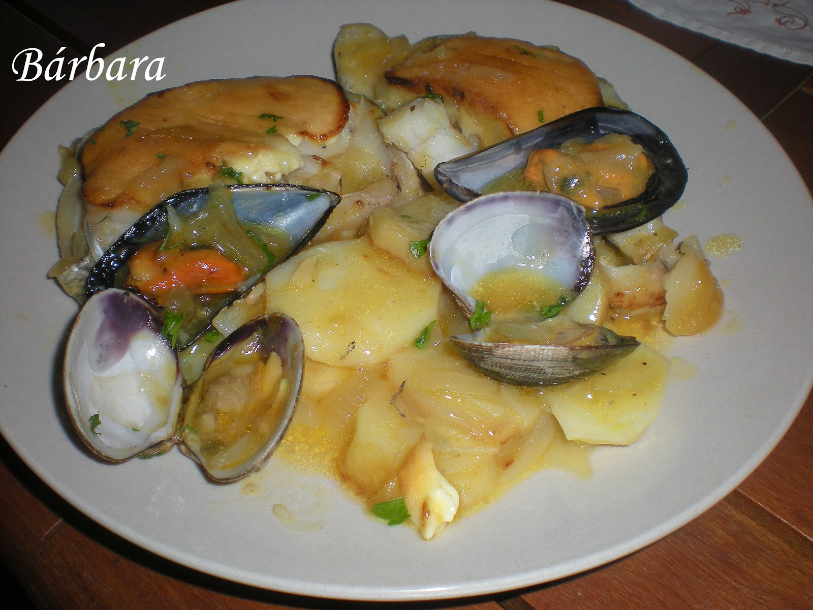 Las recetas de barbara merluza al horno con salsa de alioli - Merluza rellena de marisco al horno ...