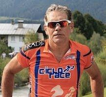 Clique na foto e conheça o atleta
