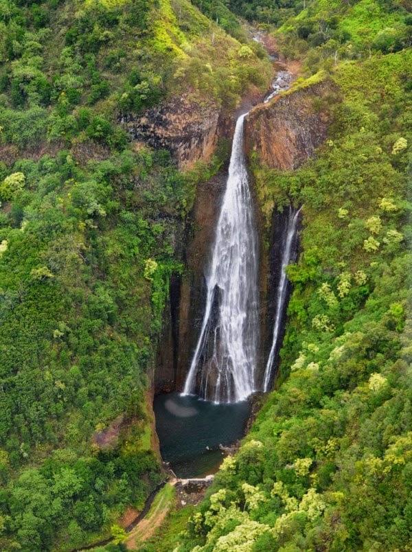 Manawaiopuna Falls, Hawaii, USA
