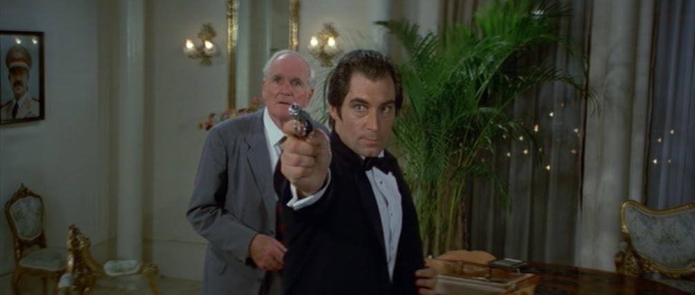 agent 007 kasyno fortepianowy zegarek online