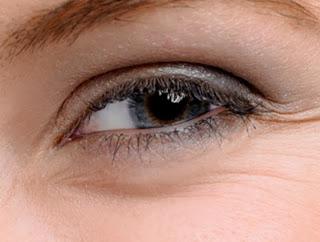 7 Tips to Get Rid of Under Eye Wrinkles